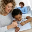 Mom and kid drawing — Stock Photo