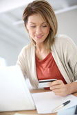 Woman buying on internet — Stock Photo