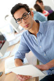 Student using tablet — Stock Photo