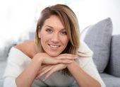 Mulher madura relaxante — Fotografia Stock