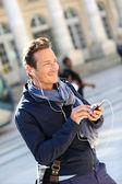 Man talking on the phone — Stock Photo