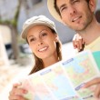 Tourists reading city map — Stock Photo #47818177