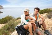 Paar auf Reise Wandern — Stockfoto
