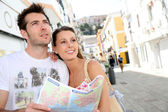 Couple in mediterranean town — Stock Photo