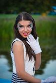 年轻漂亮水手女人感到惊讶 — 图库照片