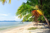 Perfect thai beach with a white sand — Stockfoto