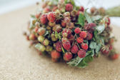 Juicy fresh bouquet of strawberries — Stockfoto