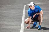 取得を開始する: redy-若い男性ランナー. — ストック写真