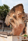 Kambodja stil av dragon staty — Stockfoto