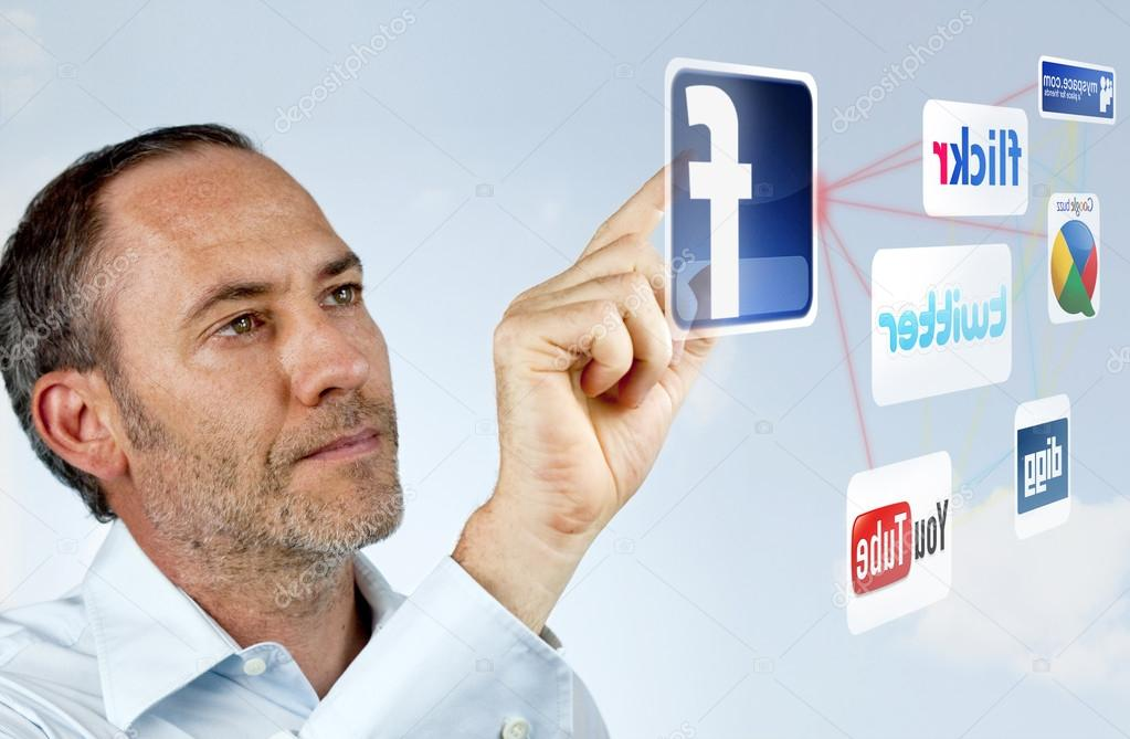 Businessman works with social networks — Stock Photo #13165187