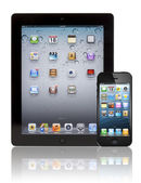 Apple New iPad 3 and iPhone 5 — Stock Photo