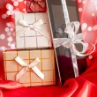 Digital tablet with christmas present — Stockfoto