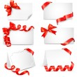Set of beautiful cards with red gift bows with ribbons. Vector — Stock Vector