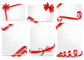 Set of beautiful cards with red gift bows with ribbons Vector — Wektor stockowy