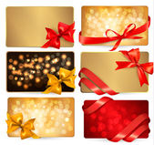 Set of beautiful gif cards with red gift bows with ribbons Vecto — Stok Vektör