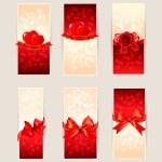 jeu de cartes de beau cadeau avec des arcs de cadeau rouge et de coeurs. Valen — Vecteur