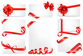 Set of gift cards with red gift bows with ribbons Vector — Stock Vector