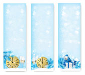 Three Christmas banners with gift boxes and snowflake. Vector il — Stock Vector