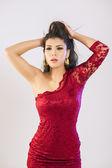Elegant kvinna i röd — Stockfoto