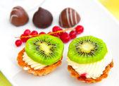 Miniature fruit tarts — Stock Photo