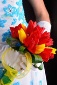 Beautiful wedding bouquet in bride's hands — Stockfoto