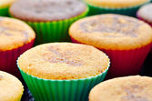 Closeup of fresh baked muffin with cacao — Stock Photo