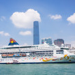Cruise liner at the pier CIRCA in Hong Kong — Stock Photo