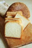вкусный нарезанный хлеб — Стоковое фото