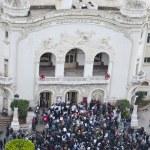 Tunisian people protesting at the Bouguiba Street, Tunis - TUNISIA — Stock Photo