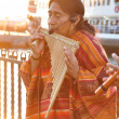 American-Indian street musicians making local music in Kadikoy, Istanbul in the evening — Stock Photo