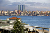 ISTANBUL, TURKEY - MARCH 20, 2014 : View from the coast of Kadikoy, one of the largest and busiest districts of Istanbul on March 20 — Stock Photo