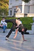 Young people dancing outdoors at Heykel Square, Bursa, Turkey — Stock Photo