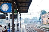 Outdoor clock on railway platform — Stock Photo