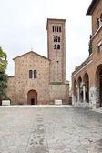 Widok z przodu franciszka bazyliki w rawennie — Zdjęcie stockowe