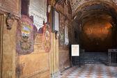 Arcade and niche of Archiginnasio palace, Bologna — Stock Photo