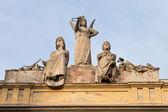 Statue on roof of ' Arena del Sole - theater in Bologna — Stockfoto