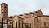 Starověké st.francis bazilika v ravenně — Stock fotografie
