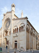 Side view of Modena Cathedral, Italy — Stock Photo