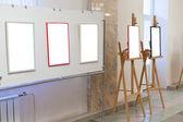 Soporte de pared en sala de la galería de arte — Foto de Stock