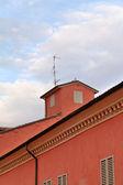 Rosa casa medievale di modena — Foto Stock