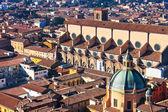 Powyżej widok na bazylikę san petronio w bolonii — Zdjęcie stockowe