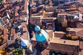 Vista dalla torre asinelli sulla via san vitale a bologna — Foto Stock