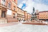 Zobacz na sala borsa i fontanna neptuna w bolonii — Zdjęcie stockowe