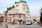Pink House - historical bistro on Montmartre, Paris, — Stock Photo