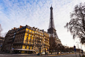 View of eiffel tower from quai branly in Paris — Stock Photo