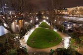 Square du Vert-Galant in Paris — Stock Photo