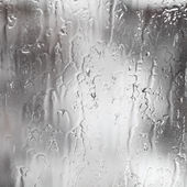 Torrenti di pioggia sulla finestra — Foto Stock