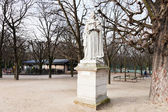Statue french queen in Paris — Stock Photo