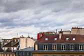 Partly cloudy frühling in paris — Stockfoto