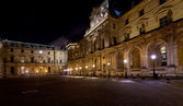 Palais des arts of Louvre, Paris at night — Stock Photo